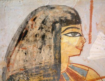 1280px-Egypte_louvre_223_femme